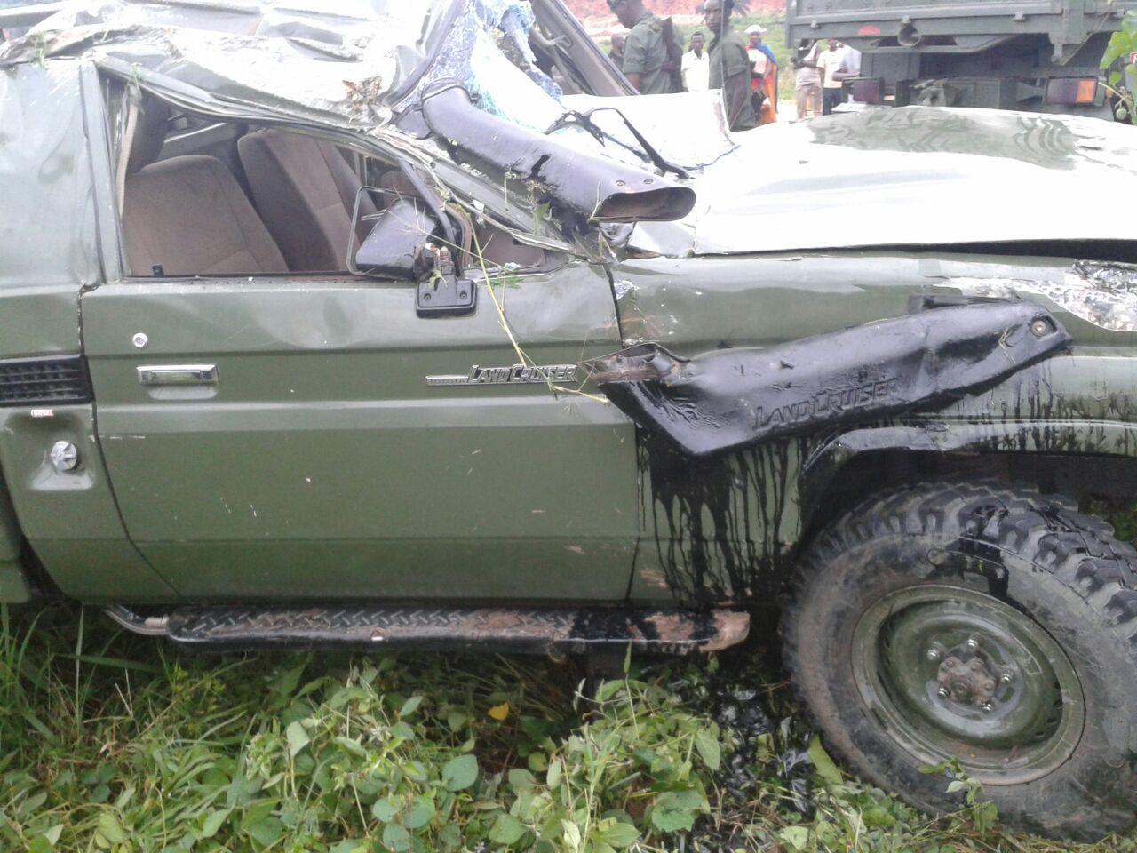 Des témoins affirment que ce pick-up s'est renversé suite à un excès de vitesse
