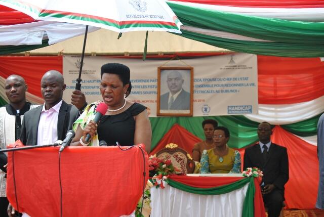 Denise Nkurunziza: «Les fistules constituent un miroir dans lequel nous nous regardons pour évaluer le  degré  de développement dans  la santé maternelle»