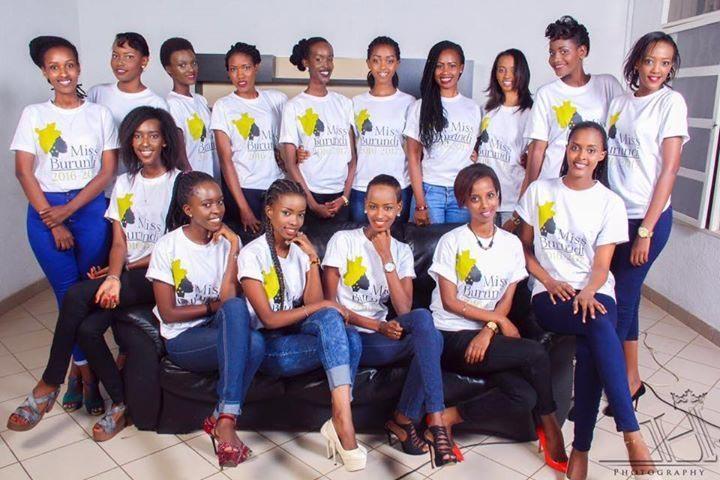 Seize des jeunes filles qui prétendent à la couronne