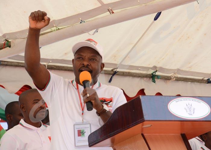 Lundi, 20 juin 2016 - Selon le président Nkurunza, les ennemis du Cndd-Fdd seront combattus par Dieu ©O.N/Iwacu