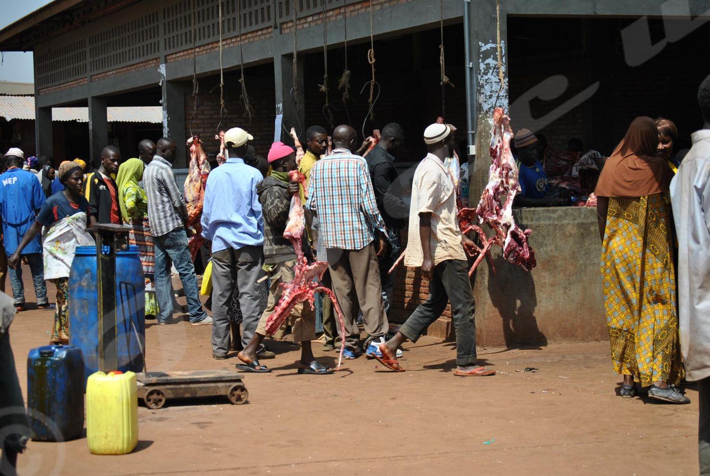 La place où on vend la viande au marché central