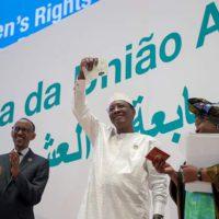 Les président Paul Kagame et Idris Déby lors du lancement de ce passeport