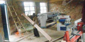 Des machines à raboter dans l'atelier de menuiserie au C.F.P Gatete.