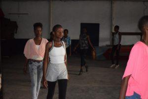 Chaque dimanche,  dans l'après-midi, les mannequins d'Umuringa se retrouvent pour les répétitions.