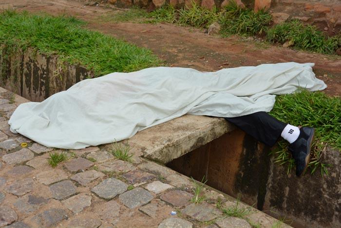 Des cadavres jonchent les rues des quartiers contestataires le lendemain des attaques du 11 et 12 décembre 2015