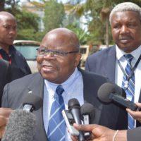 Le facilitateur Mkapa annonce que ce round est pour essayer d'asainir le climat politique burundais pour que les réfugiés et les hommes politiques en exil puissent rentrer. Selon lui, le Gouvernement n'était pas invité à ce round même si Bujumura affirme que l'invitaion avait été envoyée le 13 février. Une délégationd du Cndd-Fdd est attendue à Arusha selon des sources proches de la facilitation.