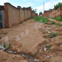 Avenue Karonga dans le quartier Yoba, l'une des routes  de ces vieux quartiers.
