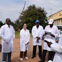 Rym Ben Zid, Représentante du FIDA au Burundi et Déo Guide Rurema, ministre de l'Agriculture et de l'élevage lors de la visite de la CNIA