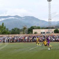 Dimanche, 19 février 2017 - Footbal: CF Mounana du Gabon a battu Vital'o du Burundi (mauve-blanc) sur un but à zéro à Bujumbura lors du match retour comptant pour la ligue des champions africains. Battu à Libreville sur 2 buts à zéro, l'équipe burundaise est éliminée ©O.N/Iwacu