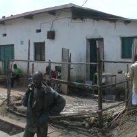 Des kiosques et clôtures démolis à Bwiza