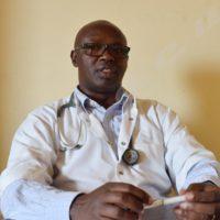 Dr François Ndikumwenayo : « Cette inflammation s'accompagne par une gêne respiratoire traduite par un sifflement ou un ronflement. »