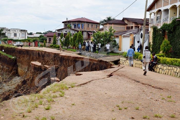 Plus de circulation automobile sur l'avenue Mukarakara, suite à son effondrement.