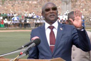 Gaston Sindimwo : «Il aura sous peu révision du Code du travail»