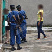 La police et le ministère public vont perquisitionner la nuit, sans mandat