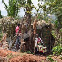 Une des quatre huttes installées sur le site de Gasenyi.