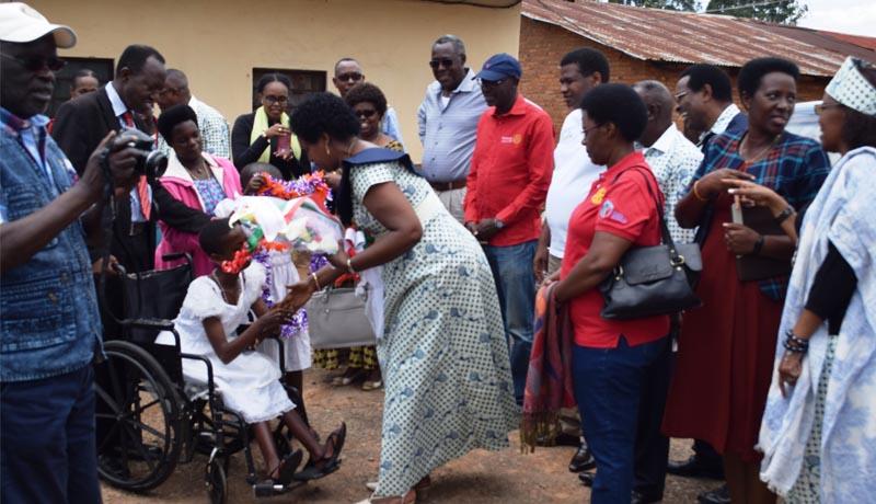 Rotary Club Bujumbura Doyen vole au secours des enfants handicapés de Mutwenzi