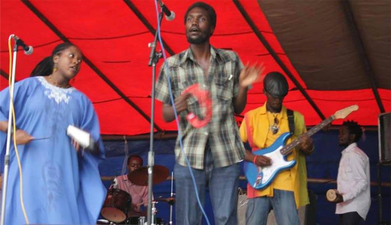 Le chanteur de Lion Story resté au pays arrêté, libéré