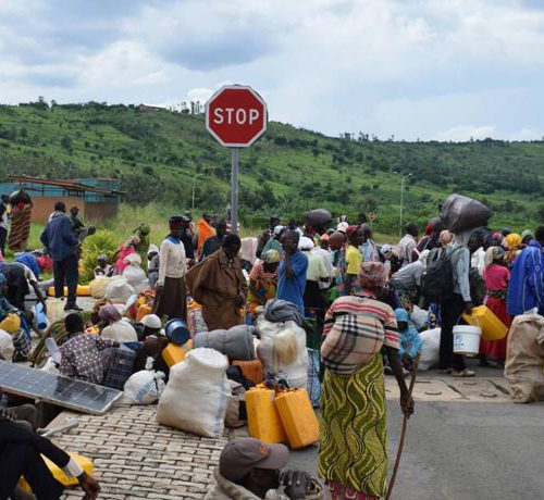 Arrivée des adeptes de Zebiya au poste-frontière de Ruhwa