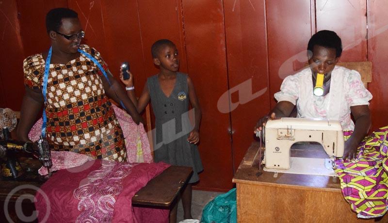 Marché de Musaga : Des tailleurs sont dans le noir