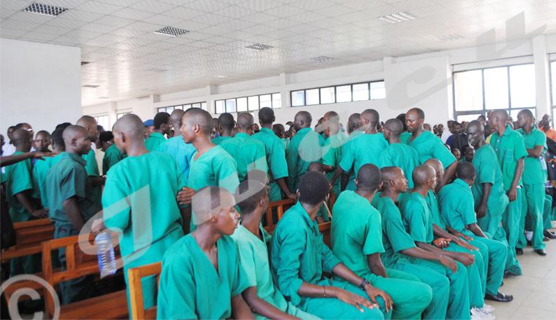 Acquittés, mais toujours en prison