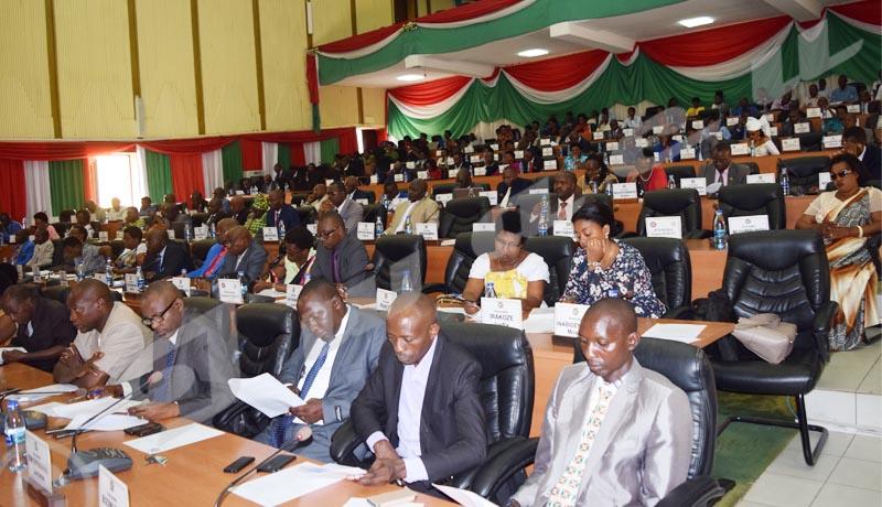 Le Parlement outré par la Commission Diène