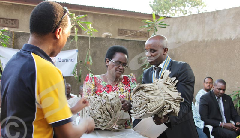 Rotary Club Kigobe 2012 au chevet des élèves vulnérables