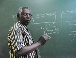 Dr Théophile Ndikumana, chimiste : « Une station d'épuration des eaux usées et des déchets doit fonctionner en permanence » ©Iwacu