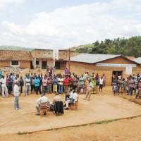 La population de Matongo lors d'une émission publique sur la justice transitionnelle, à Bandaga, chef lieu de la commune ©Iwacu