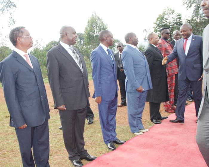 Le président Nkurunziza accueilli par les hauts responsables des forces de défense et de sécurité ©Iwacu