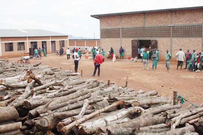 Les détenus dans la cour extérieure de la prison de Ngozi ©Iwacu