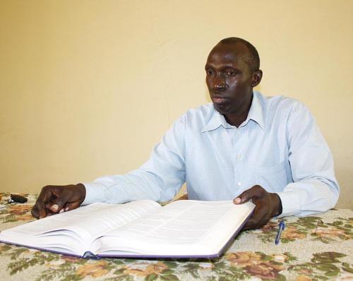 Le professeur Pascal Rwankara