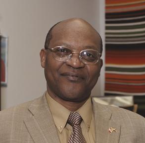 L'auteur burundo-candadien Melchior Mbonimpa né en 1955 au Burundi