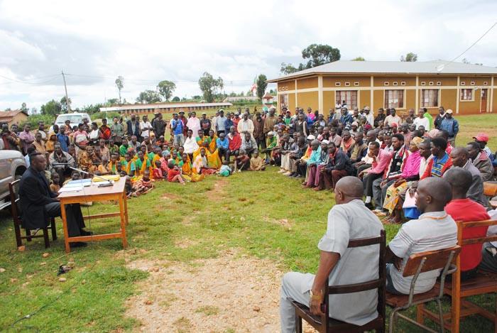 La population de la commune Gashikanywa, province Ngozi demande la décentralisation de la CVR ©Iwacu