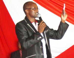 Selon une source du « milieu », Gaston Sindimwo veut créer des organes parallèles à ceux de 2009, en utilisant l'argent du Cndd-Fdd ©Iwacu