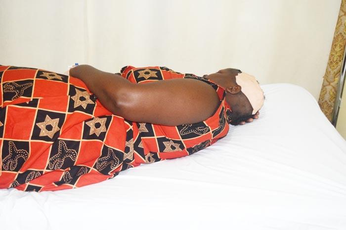 L'épouse d'Agathon Rwasa sur le lit de l'hôpital Bumerec de Bujumbura  ©Iwacu
