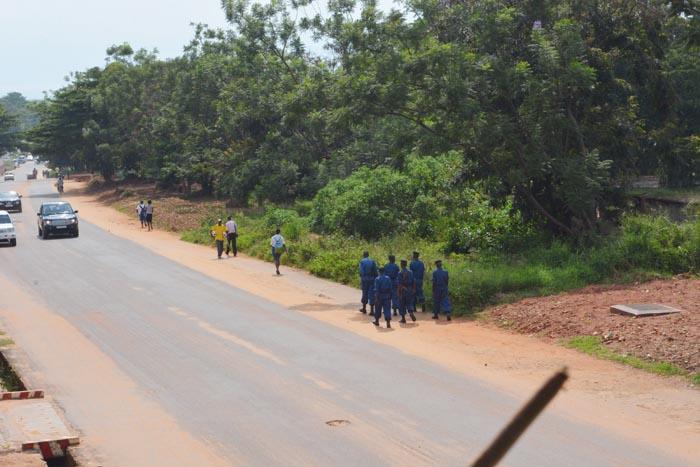 L'équipe policière rentre bredouille  ©Iwacu