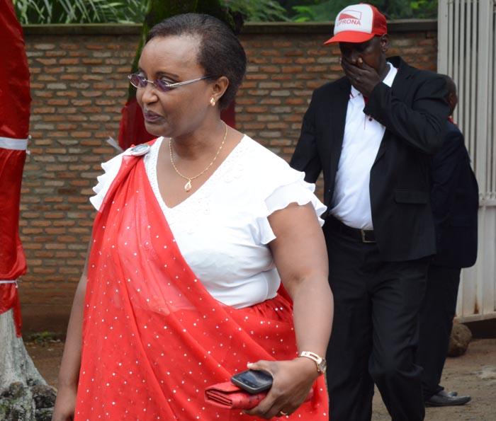 Le parti Uprona a présenté Marie Claire Burikukiye (la situer sur la photo) comme le fille du Prince Louis Rwagasore, pour des raisons de campagne