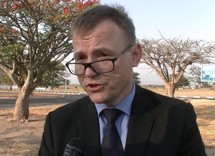 L'Ambassadeur Georg Schmidt lors d'une interview accordée à Iwacu avant son départ à l'aéroport Internationale de Bujumbura