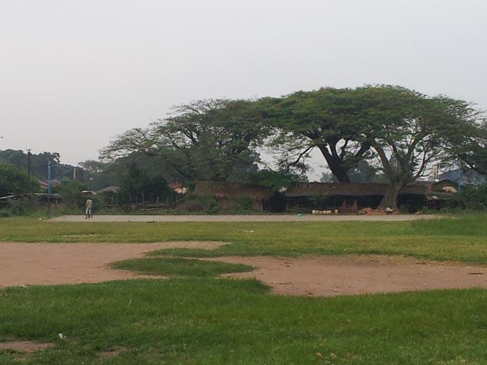 Selon les témoignages, ceux qui ont attaqué sont passés à côté des étables qui se trouvent près de la clôture du camp Ngagara, dans le quartier 2.