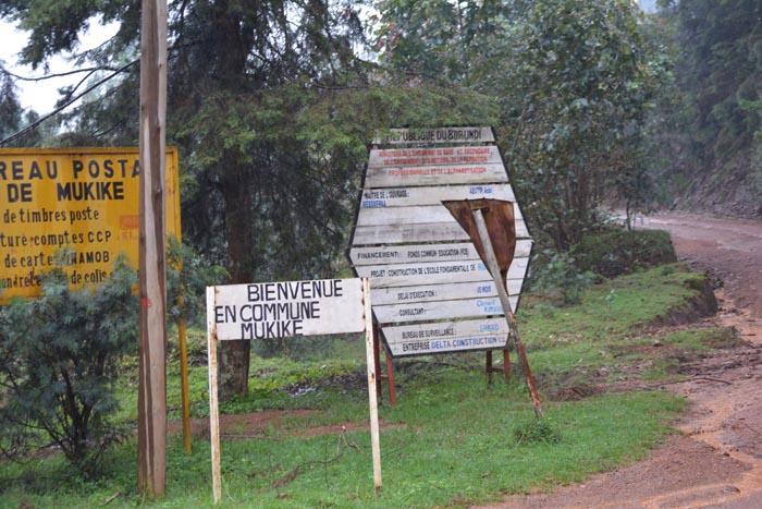 C'est à 1,5 km de là, dans cette route menant vers Mukike que les jeunes ont été exécutés.