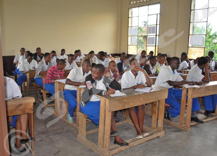 Les lauréats de l'ECOFO révisent leurs cours