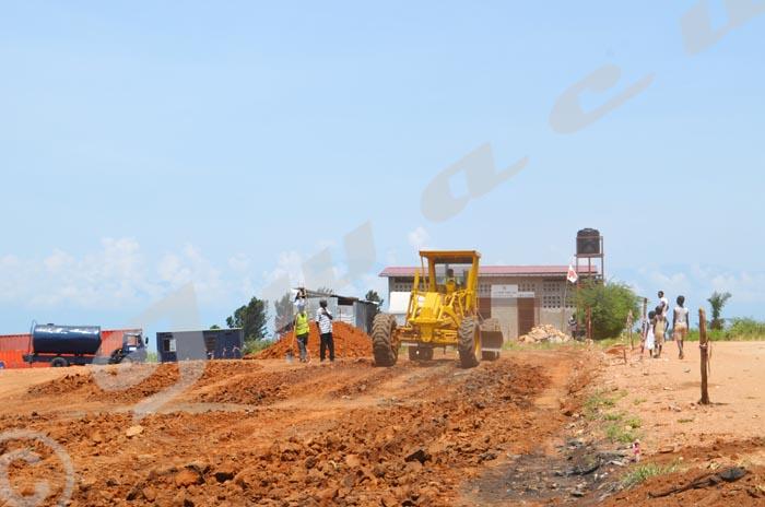 A Ruziba, les machines de Getra effectuent des activités de terrassement.