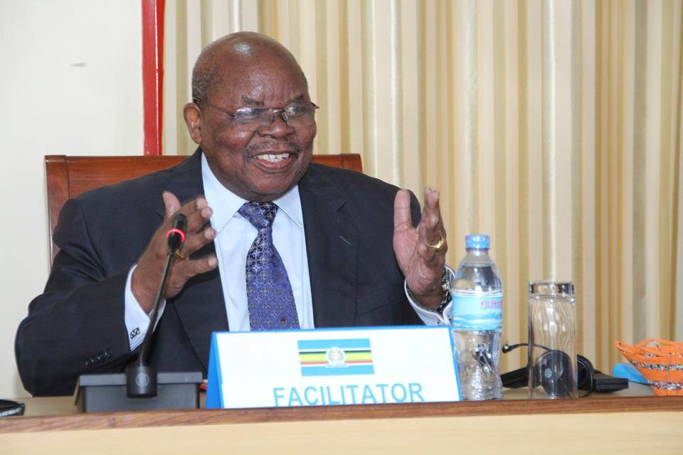 Benjamin Mkapa: «Ceux qui ne sont pas venus auraient pu apporter une contribution positive au processus»