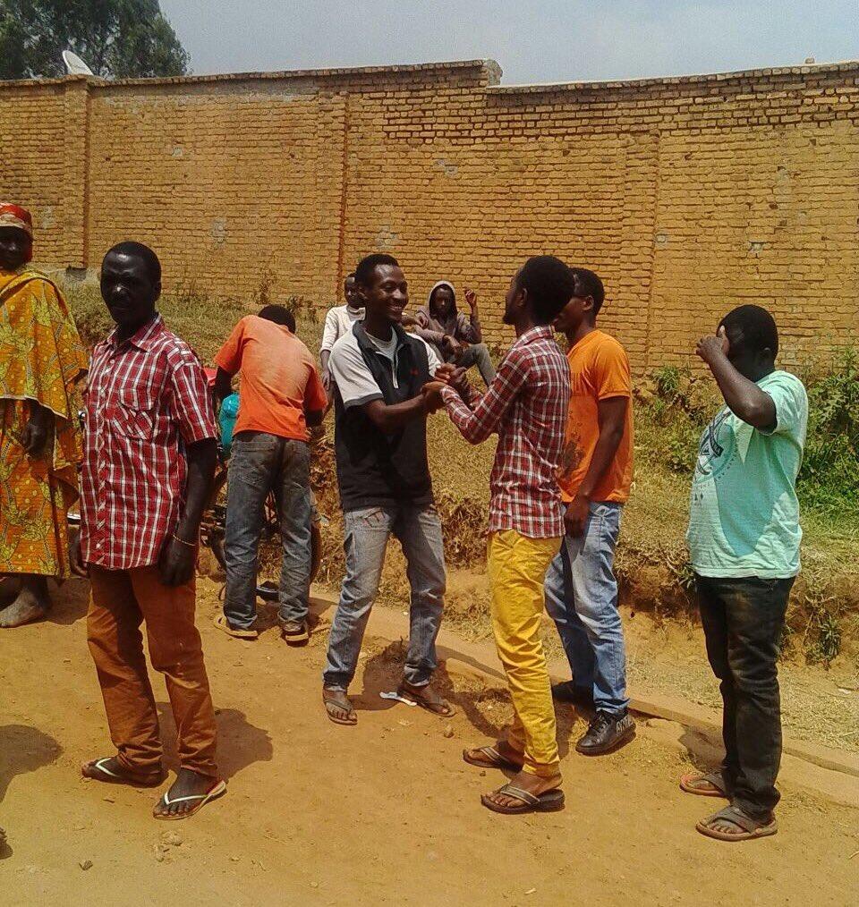 Les cinq élèves à la sortie de prison ® Droits réservés