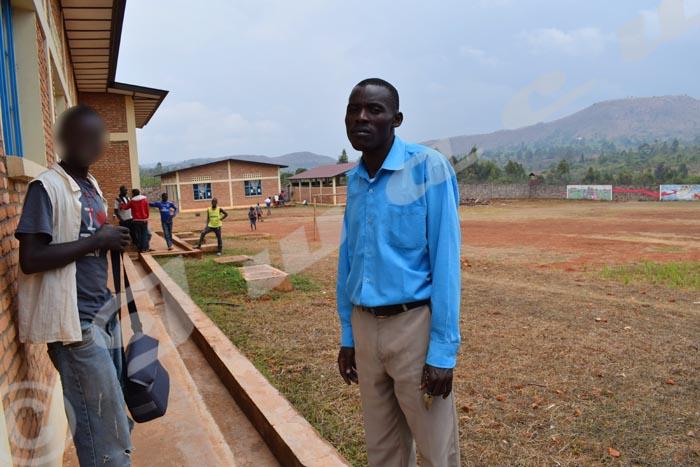 Le directeur du centre : « Le centre est bâti sur environ quatre hectares. »