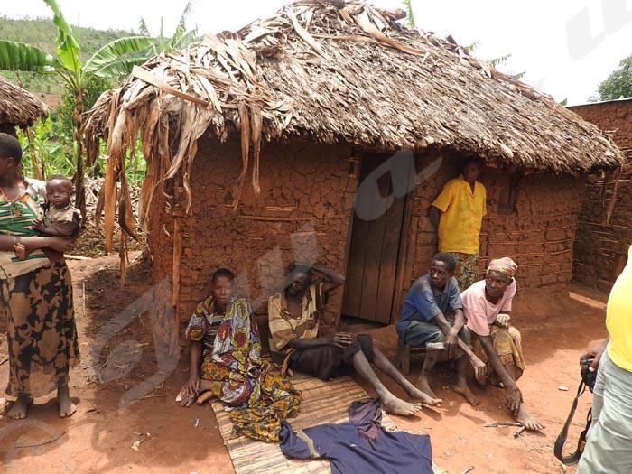 A Busoni, des habitants demandent l'aide en nourriture.