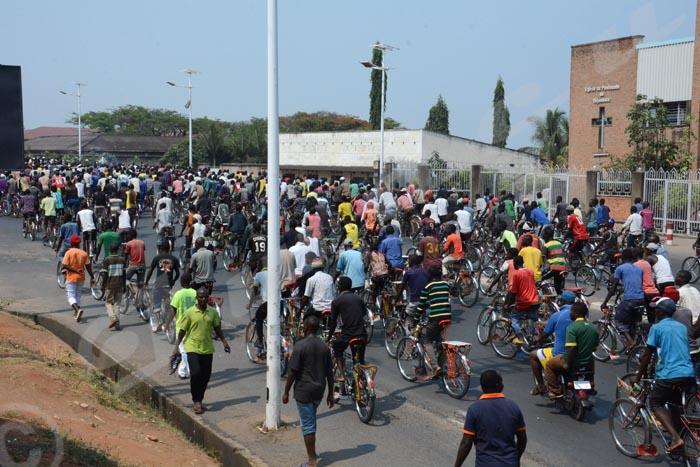 Même les taxi-vélos vont désormais payer 2000 Fbu comme droits de stationnement