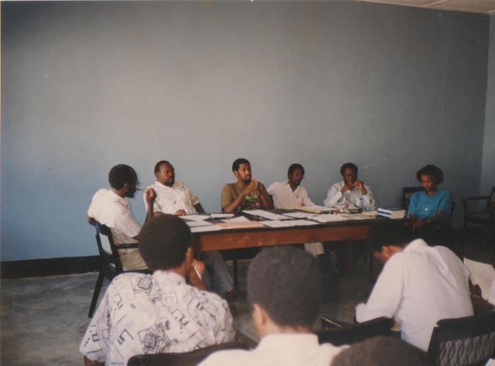 « Nous étions des jeunes qui voulions changer les choses » (De gauche à droite : Chrisostome Harahagazwe, Pontien Karibwami, Eugene Nindorera, Alphonse Rugambarara, Melchior Ndadaye, Antoinette Batumubwira).