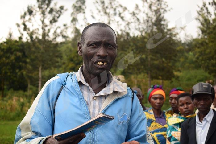 James Ndayisaba, responsable du marais de Nyabiho : «La récolte est comprise entre 5 et 5,5 tonnes alors qu'il oscillait entre 500 kg et 1,5 tonne avant l'aménagement du marais».