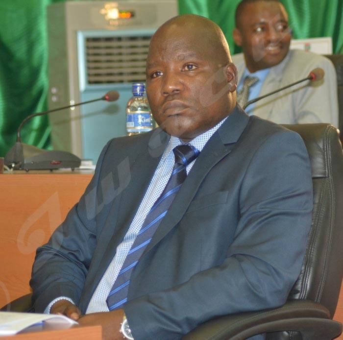 Adolphe Banyikwa : « Pourquoi serait-il le seul à être persécuté alors qu'il est gardé par des hommes payés par le gouvernement ? »